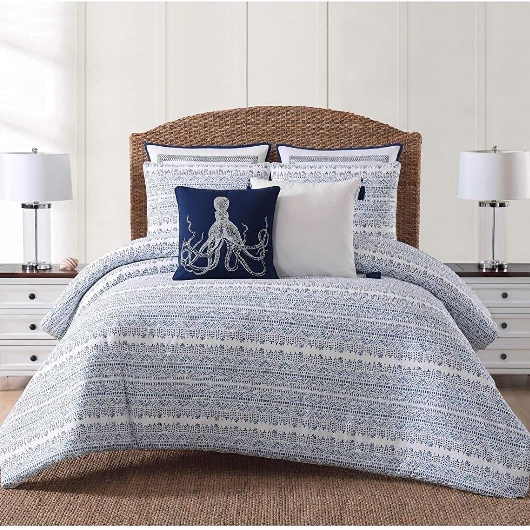Beautiful Coastal Bedroom Furniture: Designs and Decor ...